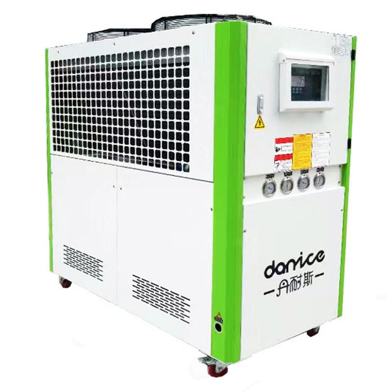 风冷式螺杆冷水机,化工,制药适用制冷效率搞质保3年