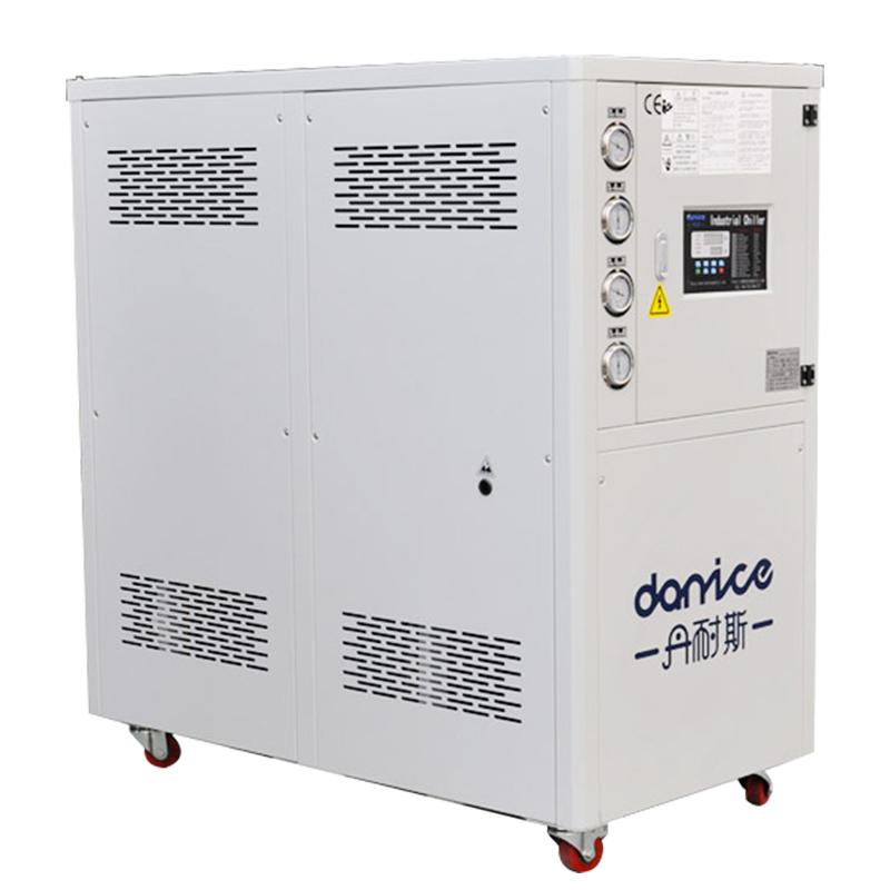 水冷式冷冻机DNC-WD系列